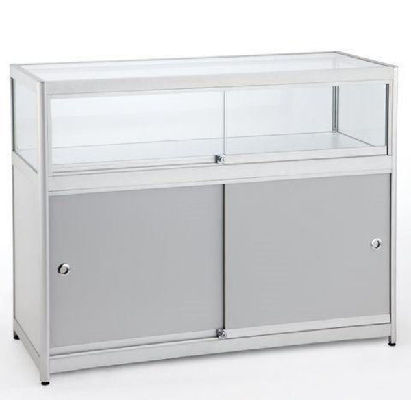 Picture of 1/4 Glass Showcase (R1551A)