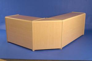 Picture of Corner Triangle Unit Maple (R1522)